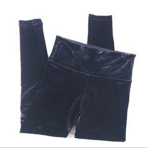 Athleta Velvet Tight Crop Leggings Sz Small Black